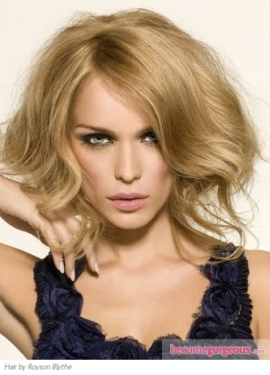 sweet warm and welcoming natural looking honey blonde blonde hair