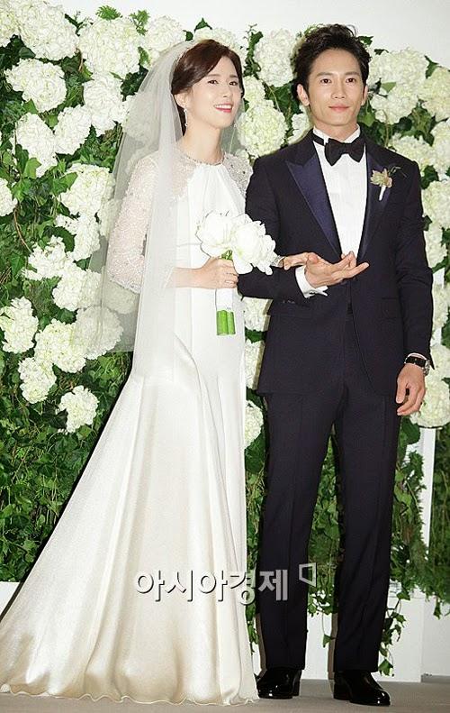 10 cặp sao Hàn chọn đồ cưới sành điệu nhất
