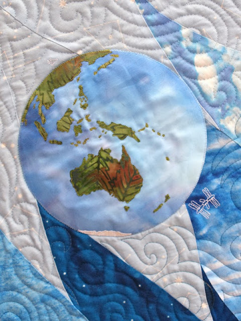 Sampaguita quilts volare bloggers 39 quilt festival for Space shuttle quilt