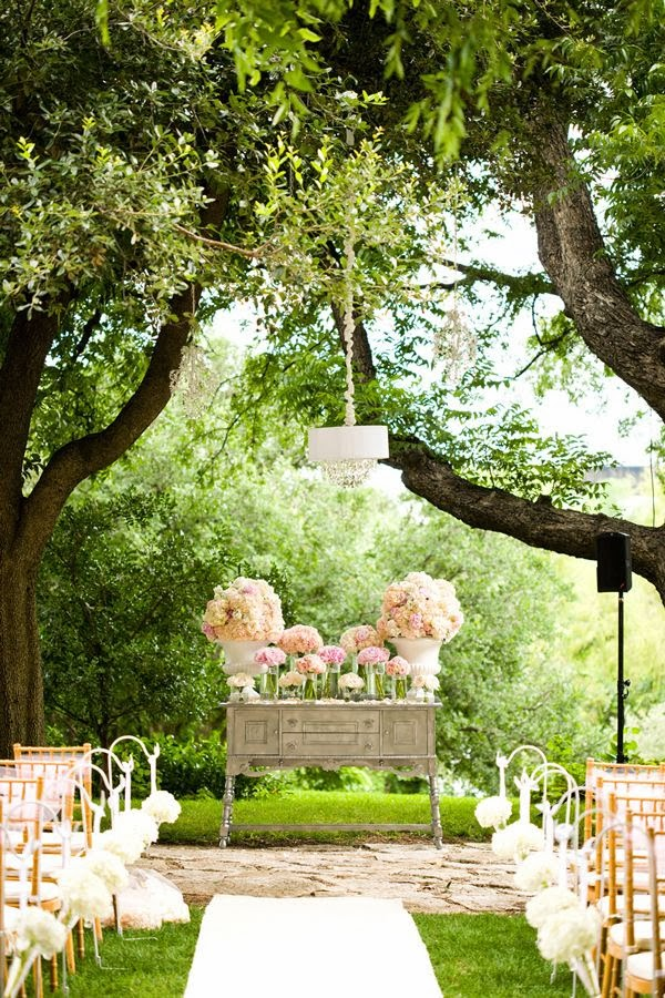http://southernweddings.com/real-wedding/angelica-colby/