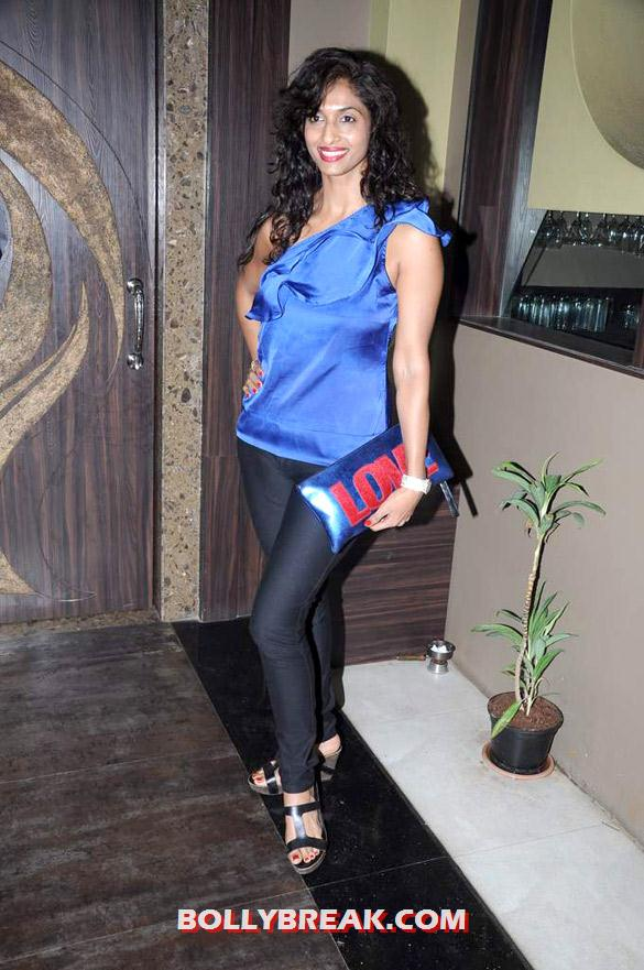 Sandhya Shetty - (9) - Hot Tv Babes at Audio release of 'Anjaani Si' album