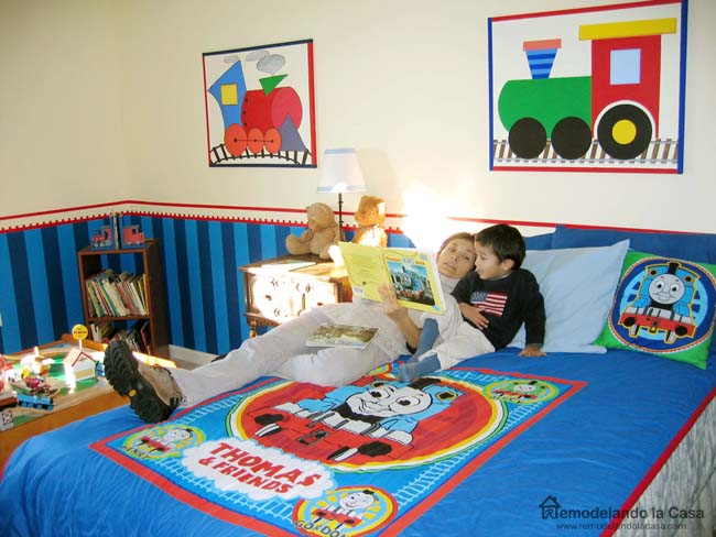 Awesome Thomas the tank engine bedding train art on wall train themed room