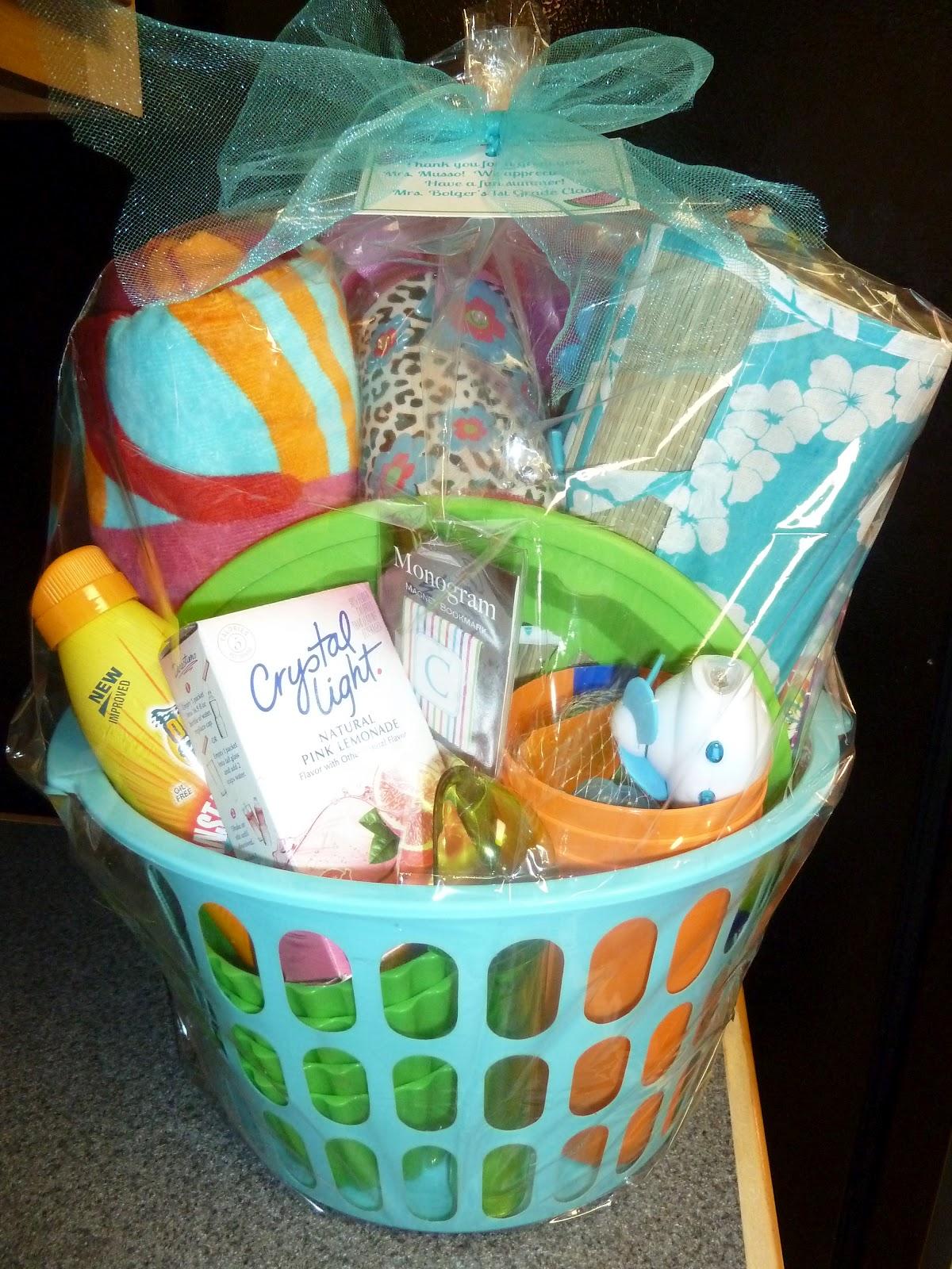 Room Mom Extraordinaire Summer Basket