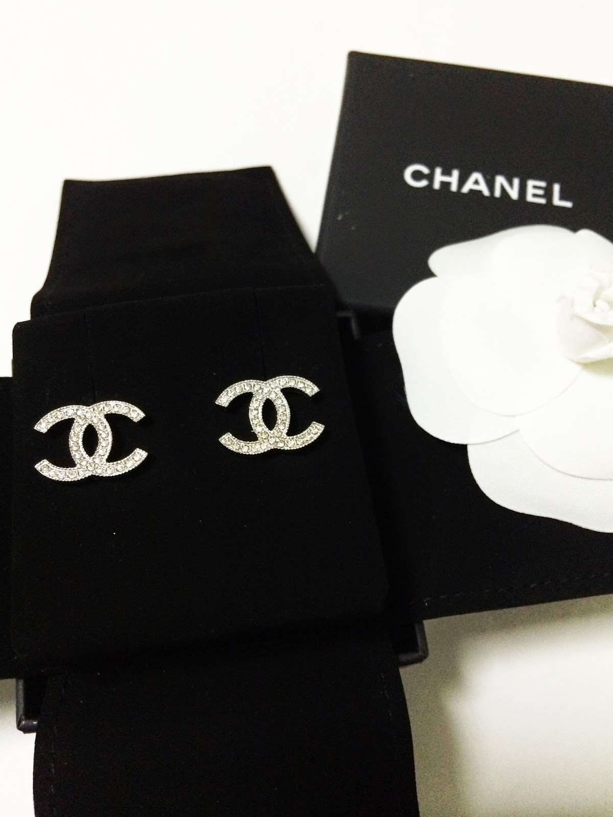 These Are Everything We Love About Chanel Iconic Clic Elegance With Timeless Eal For Today Tomorrow And Forever Super Brilliant Crystals