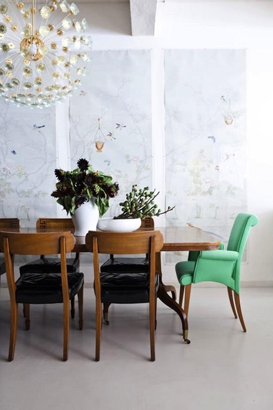 Cadeiras-diferentes-na-sala-de-jantar-7
