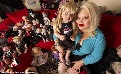 Hidup Dengan 500 Boneka Setan