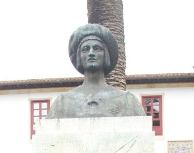 Villaviciosa, estatua de Carlos I