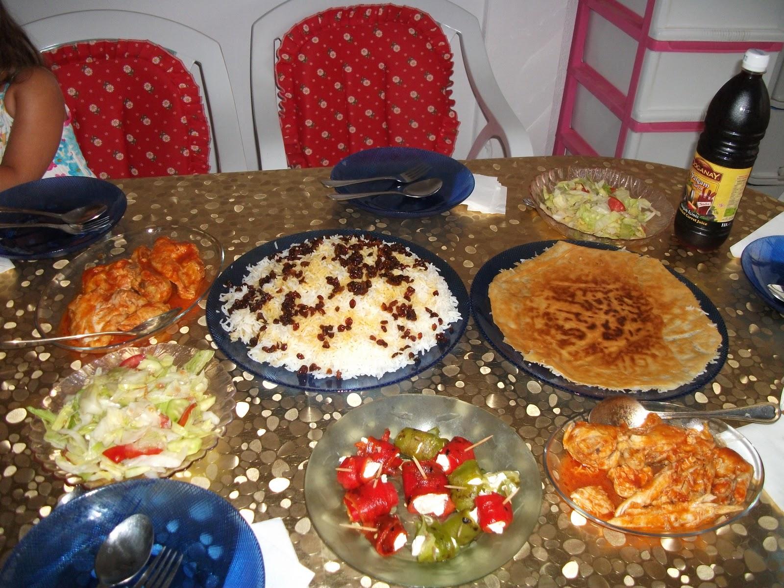 Menemen Yemeğinin Yanına Ne Gider