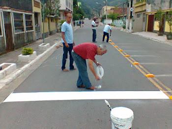 Redutores de velocidade em frente as escolas de Itacuruça,rua Evelina