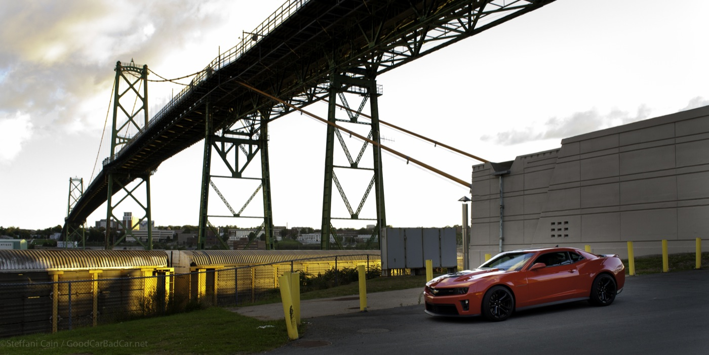2013 Chevrolet Camaro ZL1 Macdonald bridge
