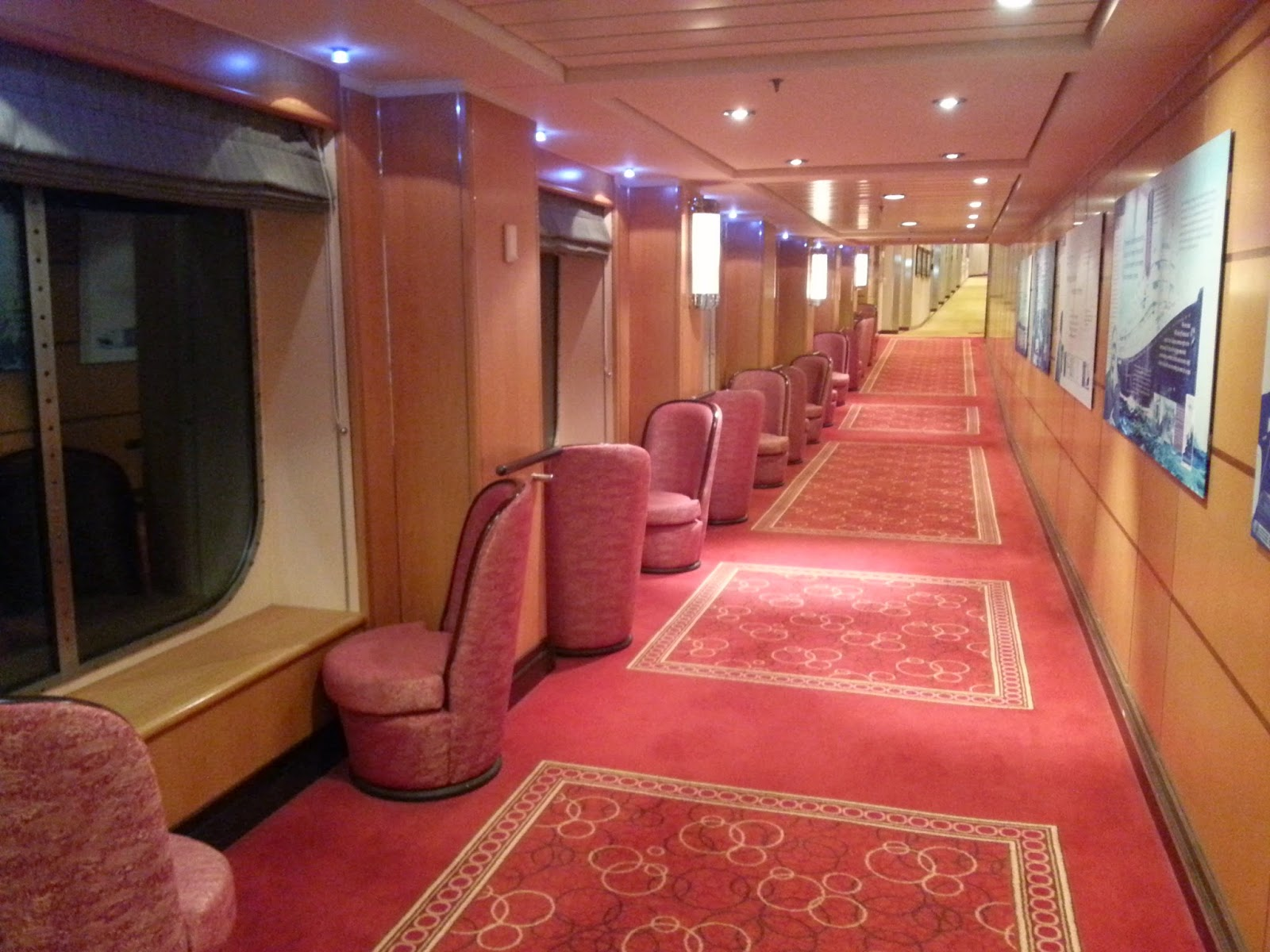 Queen Mary 2 (QM2) - Deck 3L Corridor