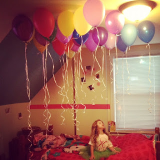 balloons in bedroom