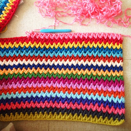 Crochet Patterns V Stitch : ... TRICOT-CROCHET: Mod?le plaid au crochet gratuit : V-stitch blanket