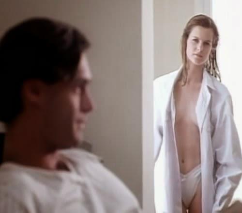 Campanha do absorvente interno O.B. que retrata a intimidade de um casal.