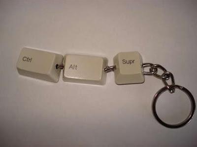 Llavero Geek hecho con teclado descompuesto