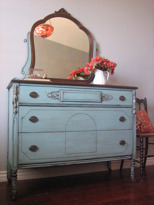 European paint finishes antique dresser w mirror for Bedroom furniture 85225