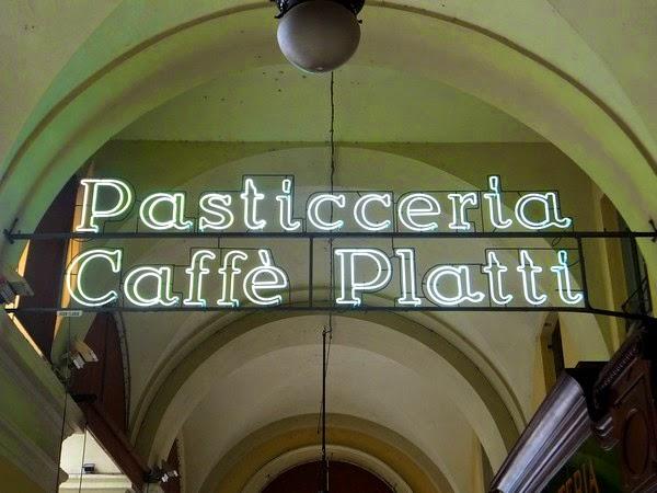 Turin Italie art nouveau Liberty caffè platti