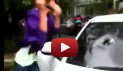 Encuentra A Su Novia Con Otro Y Le Desbarata El Carro Batazos Video