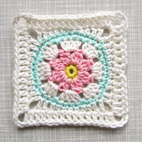 http://3.bp.blogspot.com/-2d73xEPpA6U/U05OhWJsl1I/AAAAAAAAC2o/17IL-_8VtL8/s1600/Color'nCream-FlowerSquareVII-Etsy-4.png
