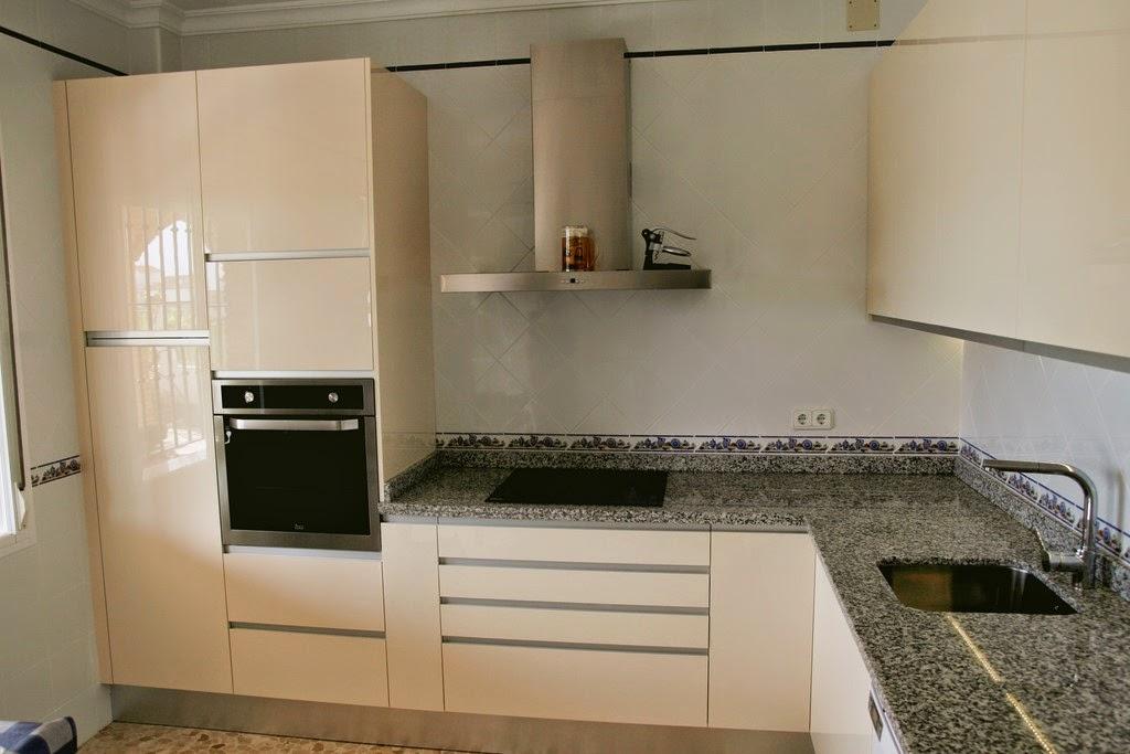 Muebles de cocina modelo luxe montar cocinas en sevilla - Montar muebles de cocina ...