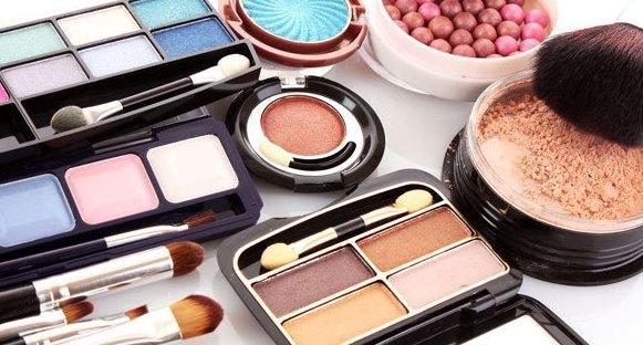 Tips Memilih Kosmetik Yang Baik Zaman Sekarang