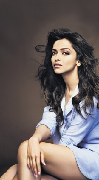 Bollywood hotties: Deepika Padukone Latest Hot sexy Photo