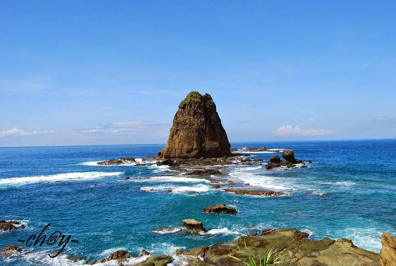 Keindahan Panorama Alam Pantai Papuma