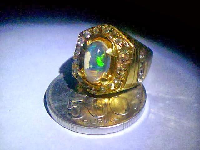 Cara merawat batu cincin kalimaya back opal