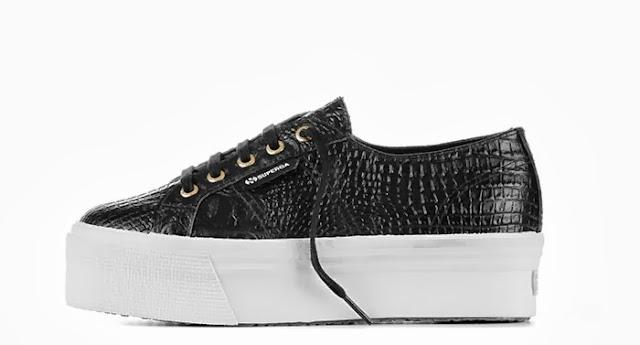 scarpa superga nera Chiara Ferragni