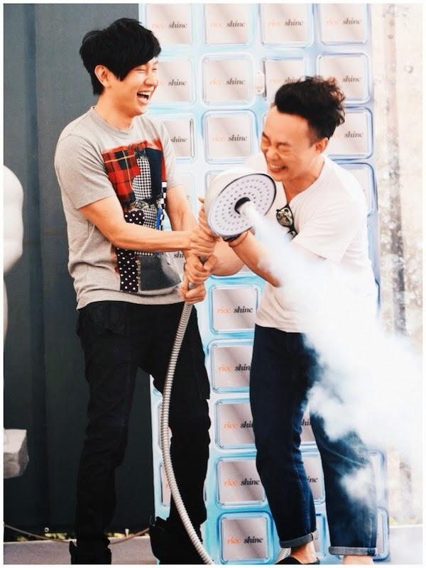 JJ Lin Junjie Comme Des Garcons SHIRT patchwork face print t-shirt - Eason Chan RISE and SHINE album launch Taipei Taiwan July 2014 陈奕迅现身台北,为最新专辑 《rice & shine》(又名:米·闪)举办签名会,JJ 林俊杰也到场助阵。
