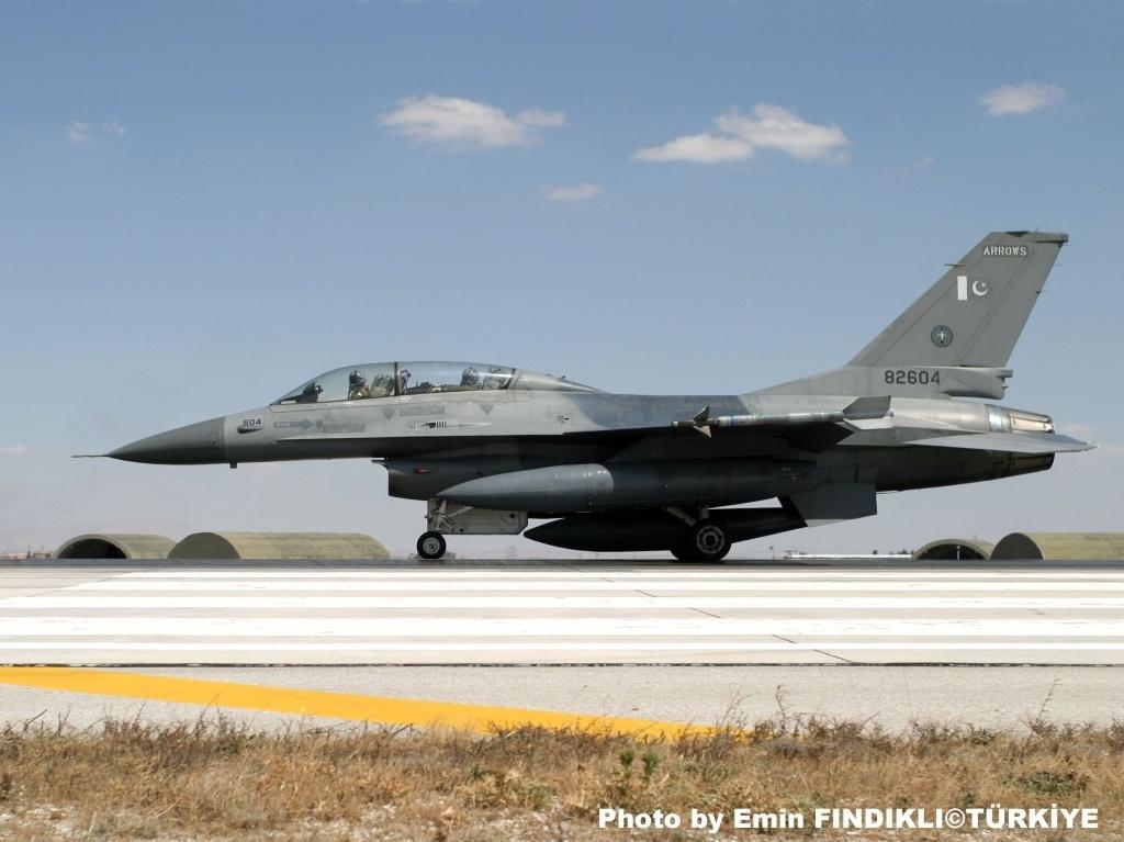 f 16 fighter. F-16 Falcon fighter have