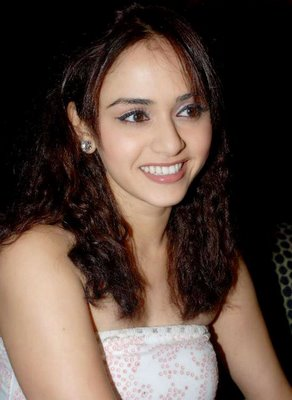images of amruta khanvilkar6