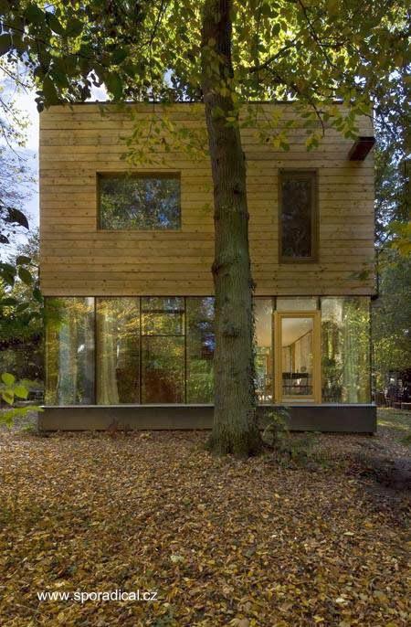 Perfil de casa de madera estilo Contemporáneo en Rep. Checa
