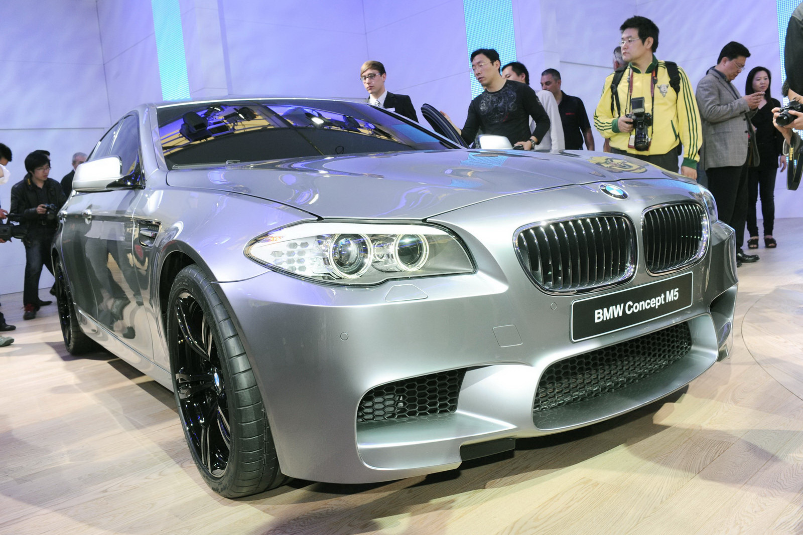 BMW CONCEPT IN SHANGHAI AUTO