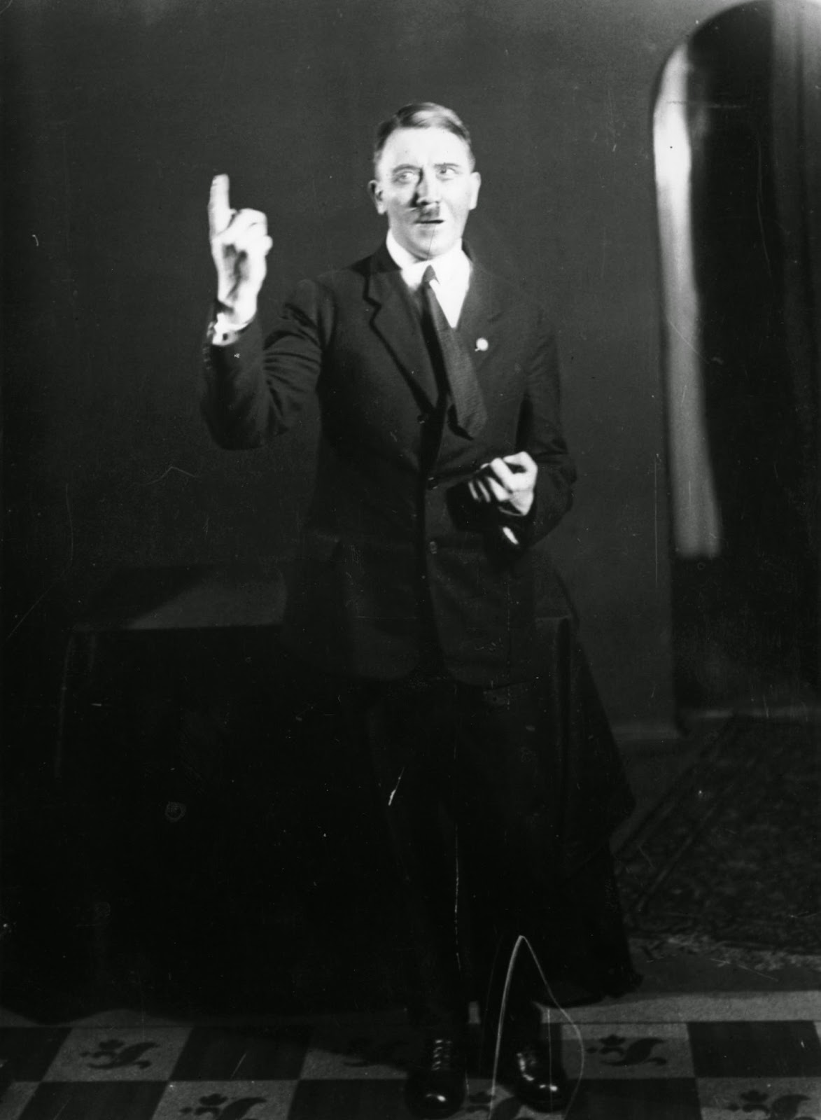 actions of adolf hitler from 1925