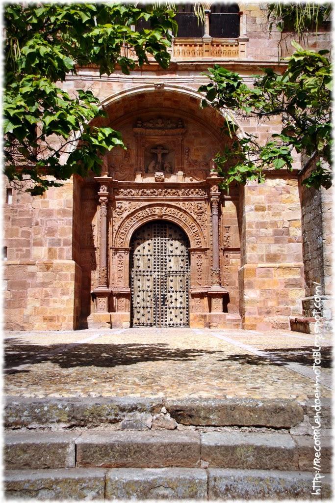 Portada Iglesia San Andrés, Villamanrique