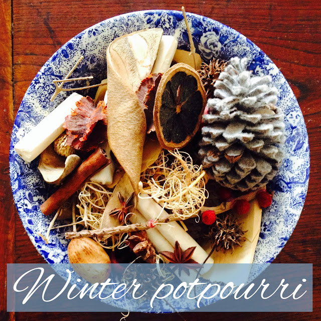 Getting Back to Nature: Natural Elements in Holiday Decorating and a Potpourri #Recipe
