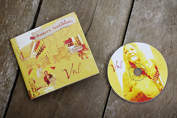 Val's CD: Busker's Meditation / El CD de Valeria