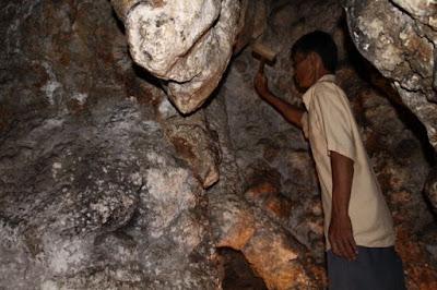 Batu stalagtit yang memiliki nada yang indah