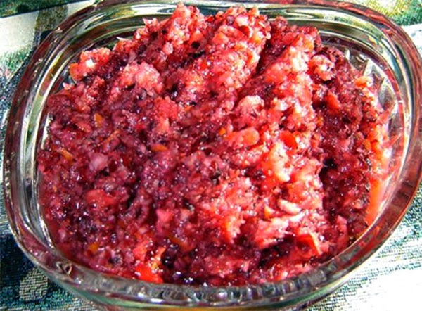Cranberry and Orange Relish: Classic fresh relish made from a blend of cranberries and orange sweetened with sugar. A perfect accompaniment for your Christmas turkey