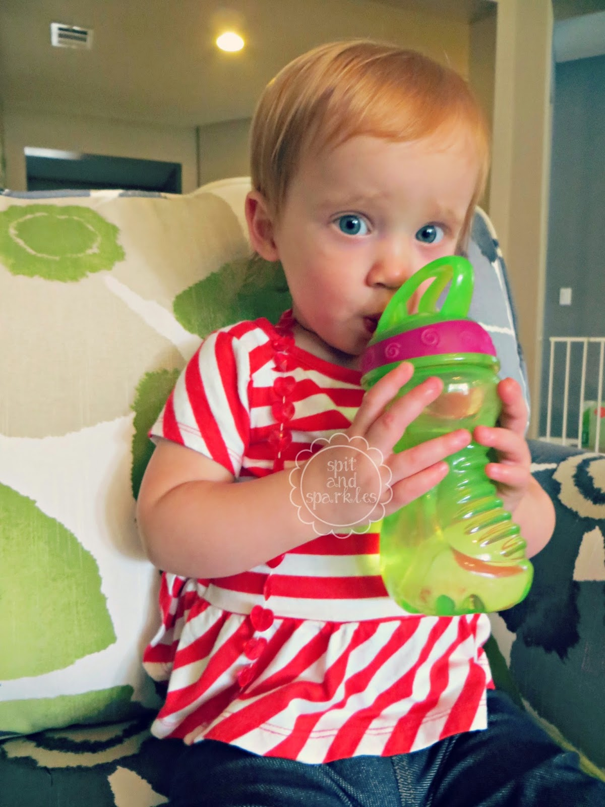 Product Review: Nuby Flip-it Easy Grip cups. #review #Nuby #toddlers
