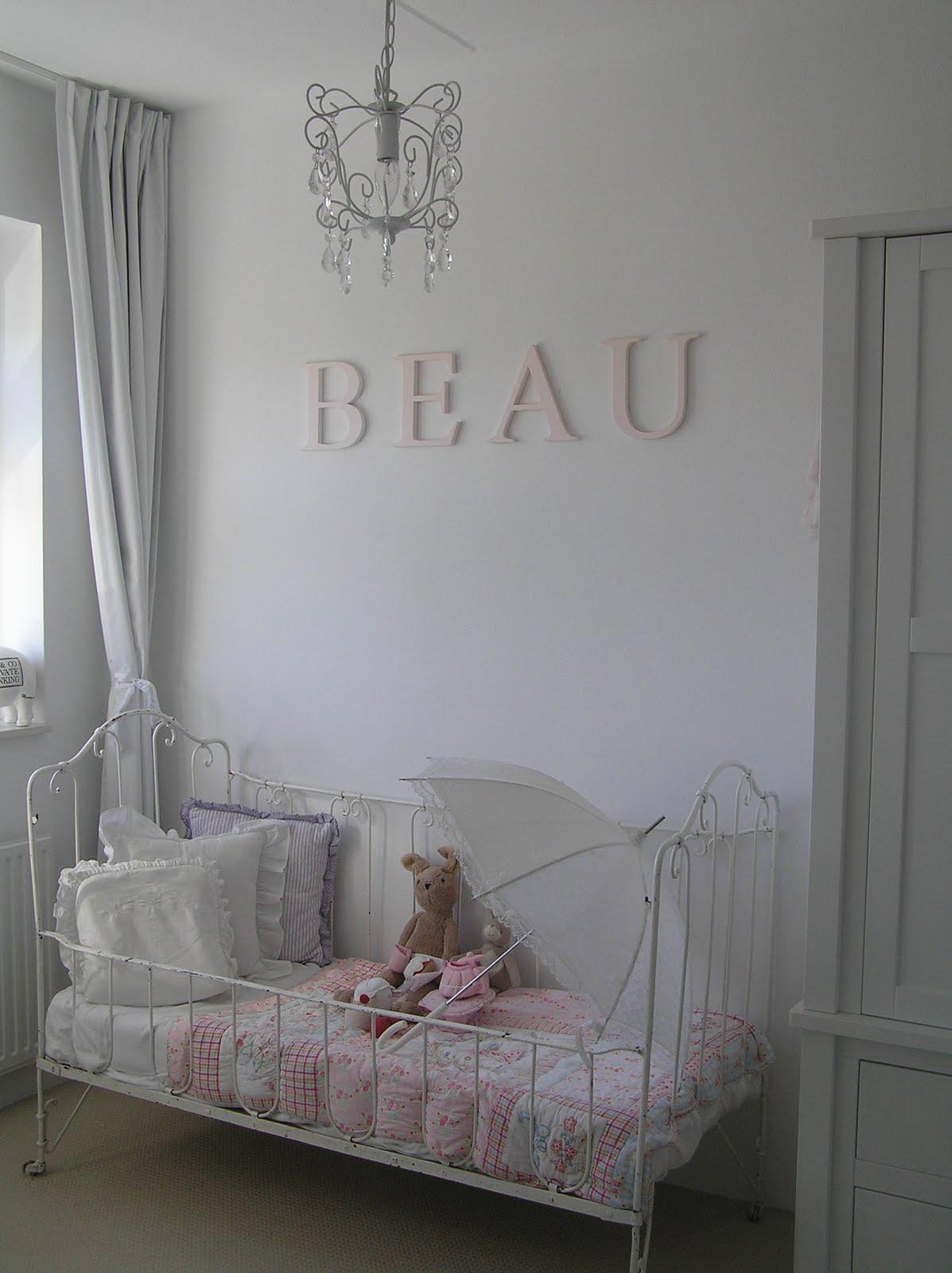 Pastels and whites sophie beau kamer sophie and beau 39 s room - Meisjes slaapkamer stijl ...