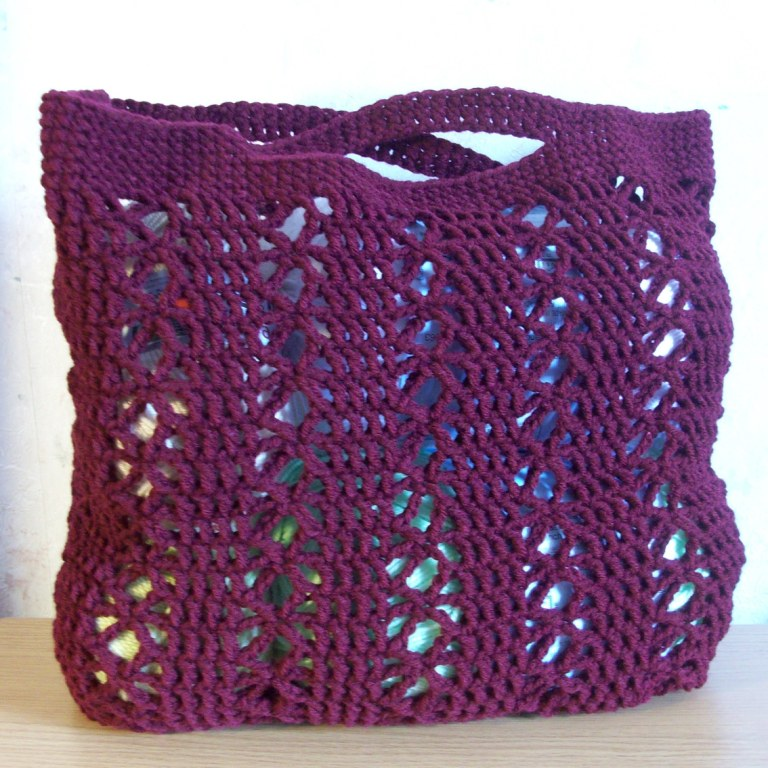 Free Crochet Purse Patterns For Kids : Fiber Flux: Autumn Bags! 18 Free Crochet Patterns...