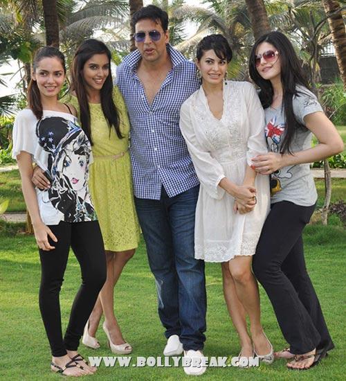 , Akshay, Asin, Shazahnn, Zarine, Jacquiline Housefull 2 Success Party Pics