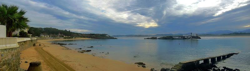 Playa de Bikinis e Isla de la Torre en Santander