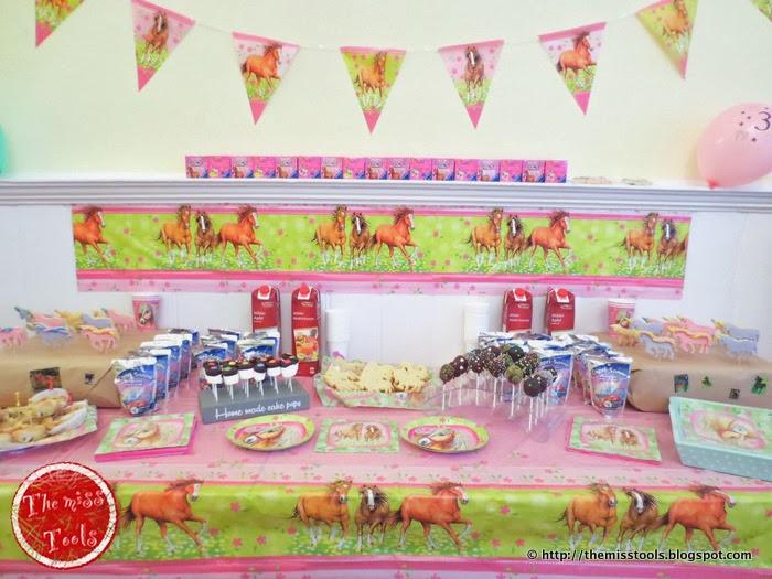 The miss tools biscotti unicorno per festa a tema for Tavolo unicorno