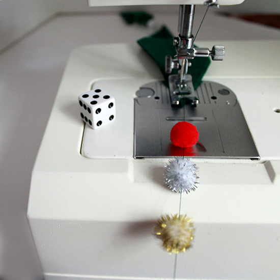 Get a random look with the roll of a die -- avoid patterns! | The Inspired Wren