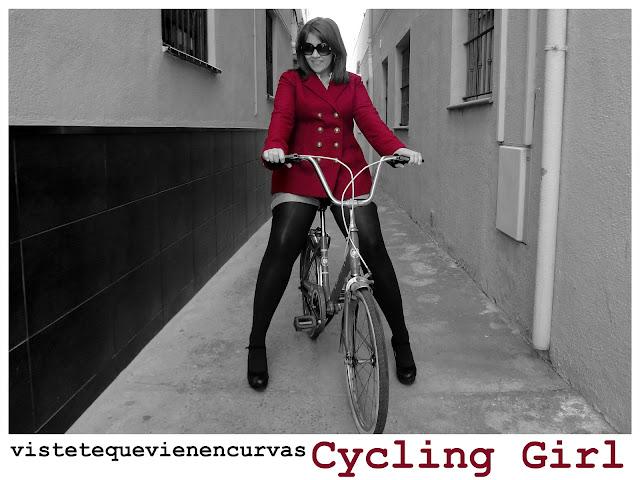 En bici y con tacones!