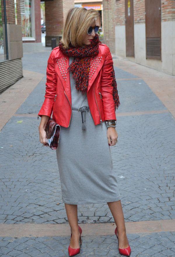 Vestidos con chaquetas de cuero