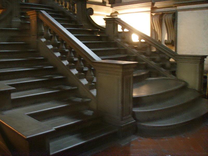 M s clases de arte miguel ngel escalera de la - Escalera de biblioteca ...